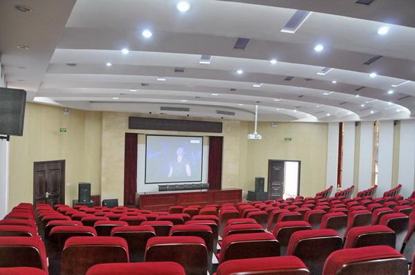 阶梯教室装修一新 2011年学校十大重点教育事件出炉 高清图片